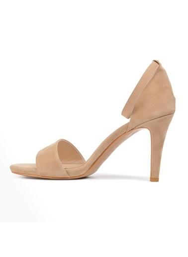 Pierre Cardin Pierre Cardin Pc-50169 Platin Rugan Kadın Topuklu Ayakkabı Bej